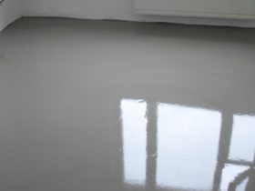 Warm water floor thickness