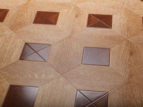 Laying laminate square