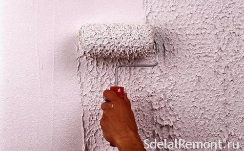 Декор стены валиком