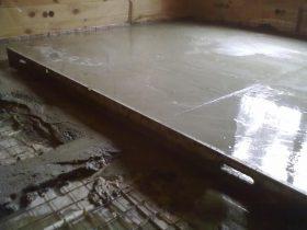 Вирівнювання підлоги бетонним розчином