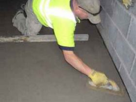 Pouring concrete screed