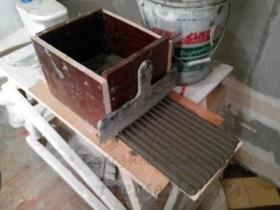 Инструмент клея на плитку 2