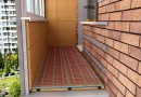 Mounting of the electric floor heating on the balcony