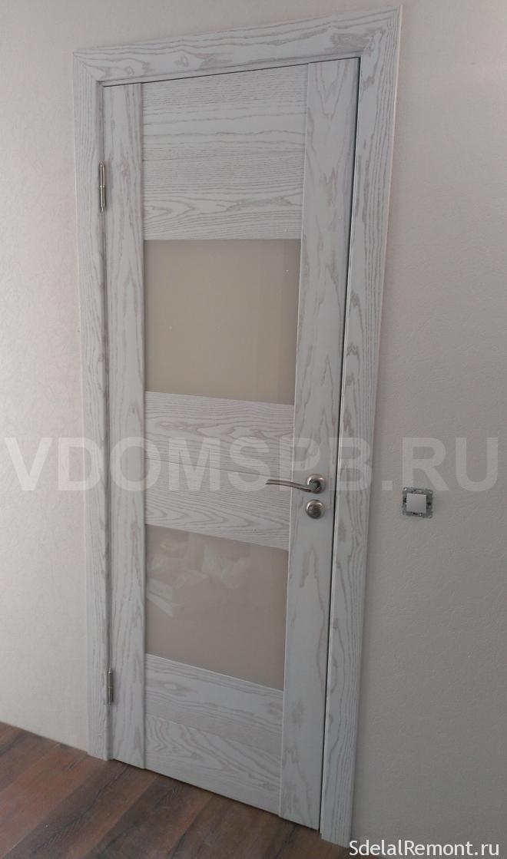 дверь с отделкой из шпона ясеня (