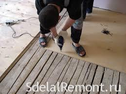 Leveling the floor with plywood