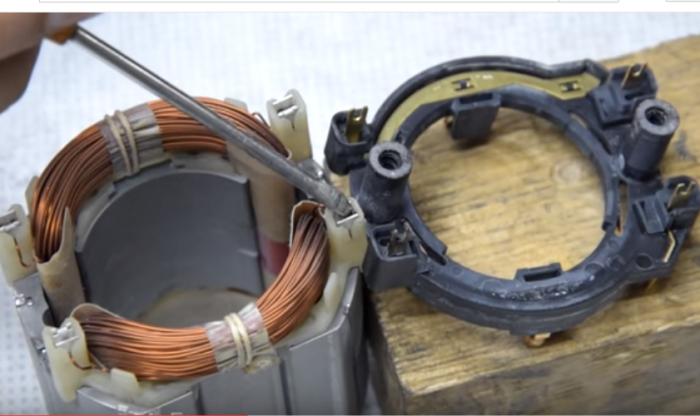 контакты между статором и панелью реверса