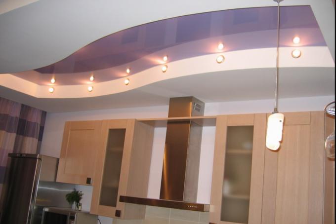 волнистый потолка из гипсокартона