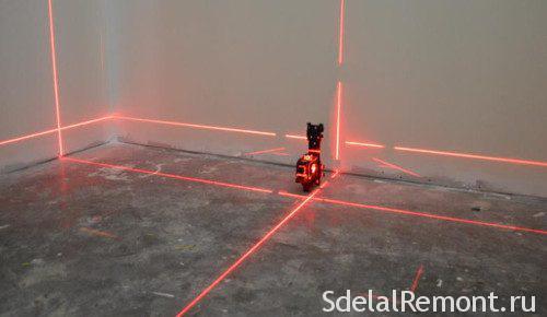 размерка пола лазерным уровнем
