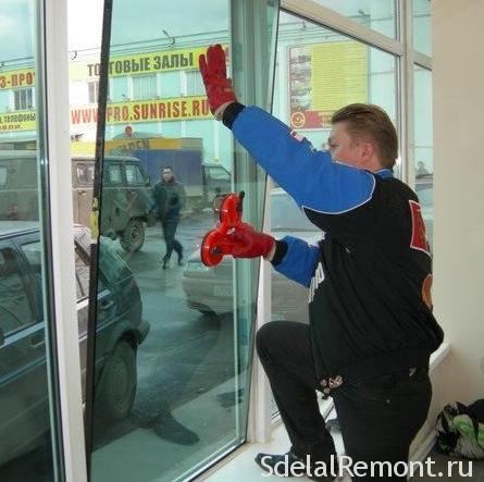 Как снять стеклопакет с пластикового окна самому