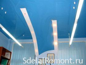 Установка натяжных потолков под любым наклоном фото голубой / синий цвет натяжного потолка