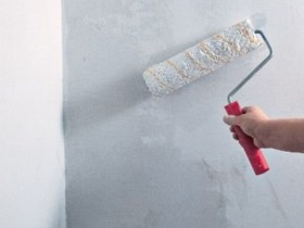To wash the walls before painting