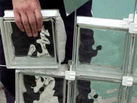 Укладка стеклоблоков на белый клей