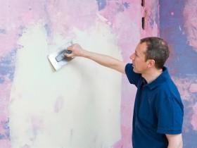 Как шпаклевать окрашенные стены?