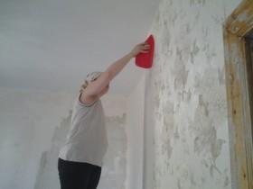 Smoothing plastic trowel wallpaper