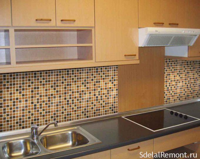 укладка плитки на фартук в кухне