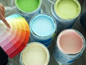 Выбор краски для покраски обоев